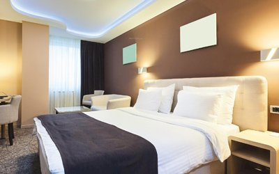 5 Things You Should Always Remember To Keep In Hotel Room