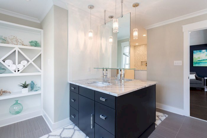 How To Take Great Photos Of Your Vacation Rental Bathroom