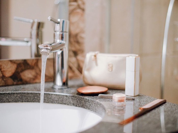 5 Reasons Why Hotels Love Makeup Remover Wipes