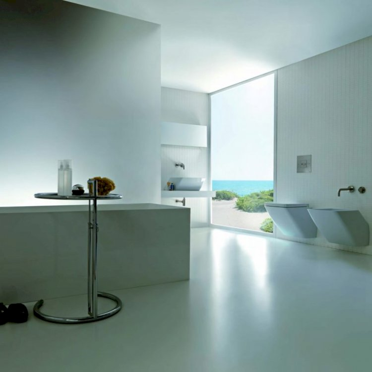 Luxury Bathroom Quotient With White & Geometric Designs