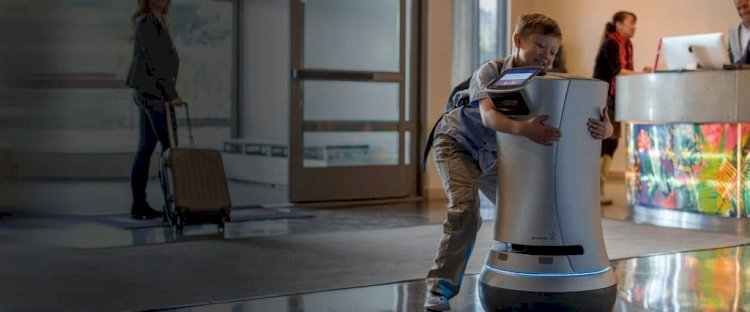 ROBOTS Delighting Guests. Helping Staff. Boosting Revenue.
